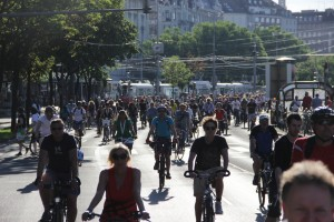 Velo-city_2013_bicycle_parade